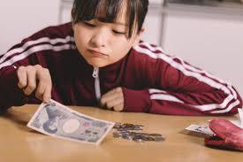 相対的貧困とは?わかりやすく教えて欲しい!先進国での貧困問題とは?