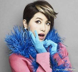 荻野目洋子がきれい!ダンシングヒーローで再ブレイク!代表曲紹介!