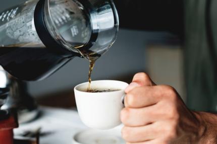 カフェインの利尿作用メリットとデメリットは?脱水症状になる恐れはあるの?